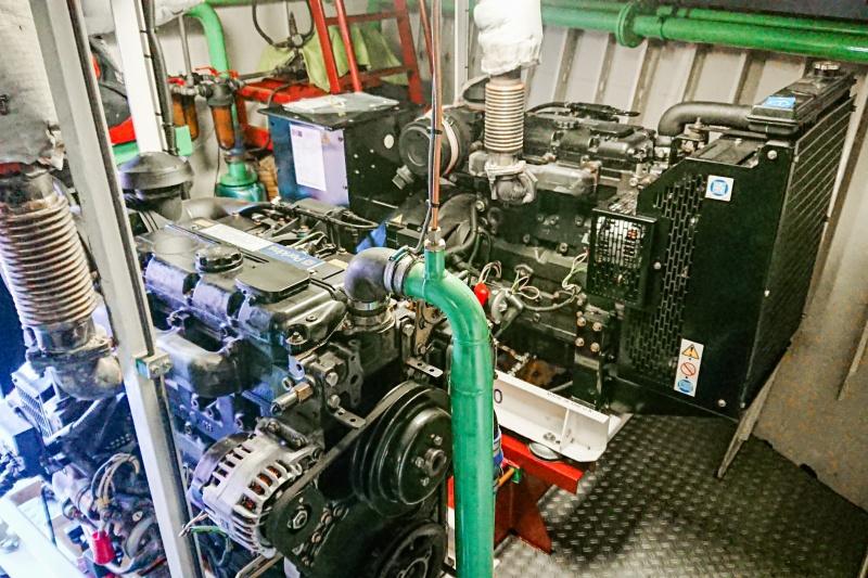 Vervanging generatoren in binnenvaartschip MS Limenas